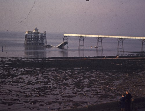 Rare Amateur Film of the Collapse of Clevedon Pier
